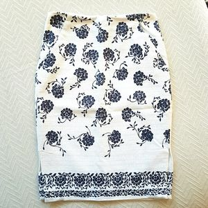 LOFT Ivory with Blue Floral Midi Pencil Skirt 00